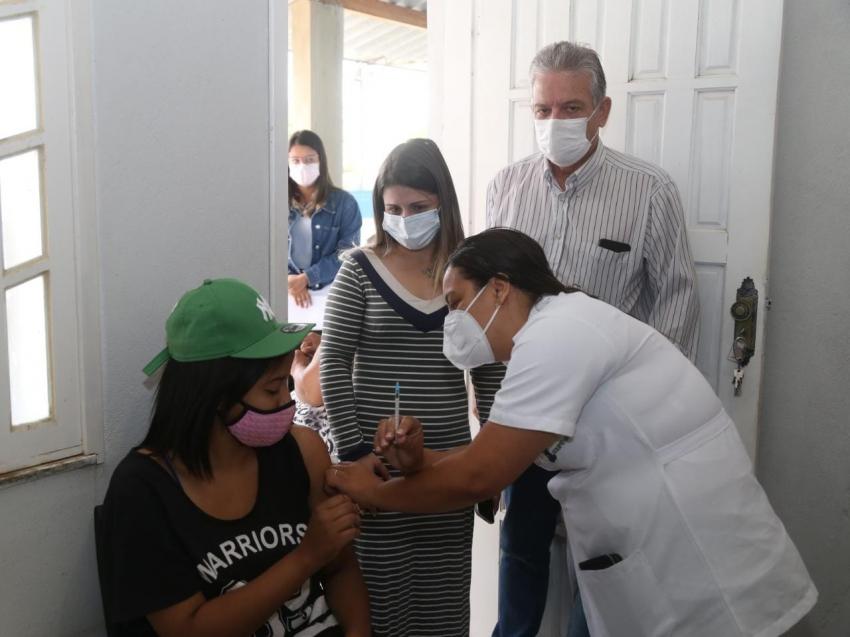 Covid-19: SFI vacina adolescentes da Apae e Arco-íris de Luz