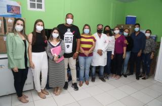 Prefeita Francimara entrega computadores e vistoria obras no Hospital Manoel Carola
